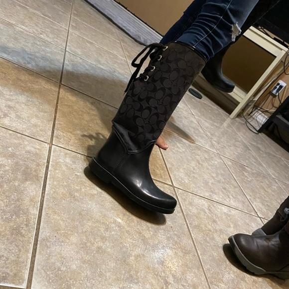 Black coach tristee rain boots (flaws shown )
